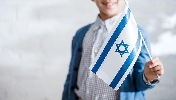 boy with israeli flag