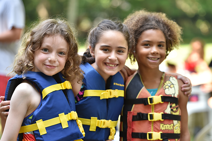 campers enjoying water sports at URJ OSRUI Camp