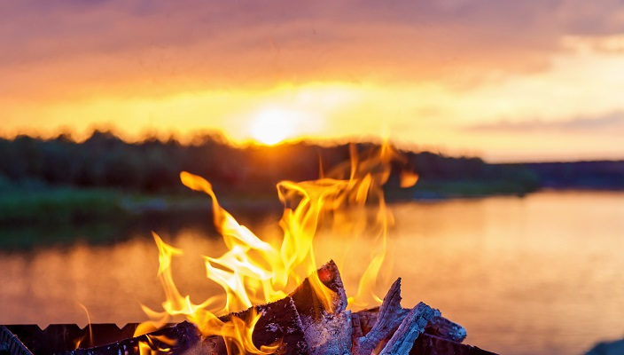 bonfire at a lake to celebrate lag baomer in israel