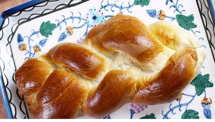 Challah on a plate