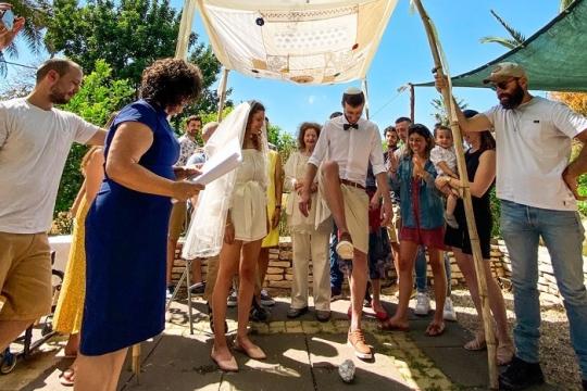 Wedding in israel, breaking the glass