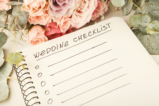Wedding checklist with roses