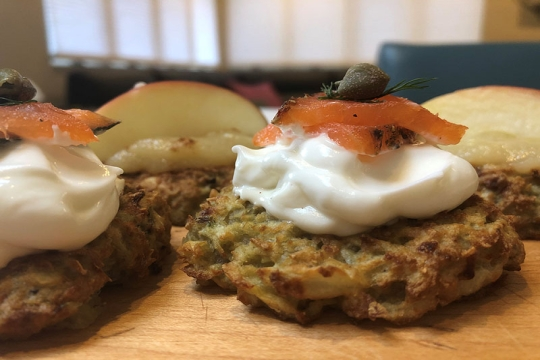 air fryer latkes with toppings