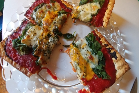 matzah spinach pizza