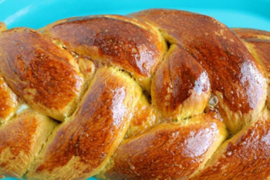 Pumpkin Challah--food to try with your family on the Jewish holiday of Shababt